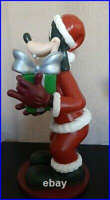 2006 DISNEY SHOPPING SANTA GOOFY CHRISTMAS Gift GARDEN STATUE BIG FIGURE RARE