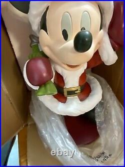 2006 Disney Santa Mickey Mouse Christmas Garden Statue Big Figure Rare