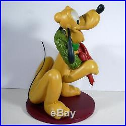 2006 Disney Shopping Santa Pluto Christmas Wreath Garden Statue Big Figure Rare