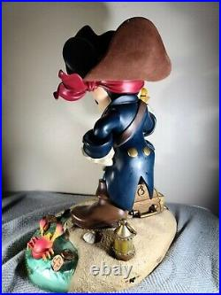 Disney worlds 20' Mickey Mouse Pirate Of The Caribbean Big Figure RARE