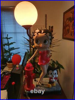 Extremely Rare! Betty Boop with Pudgy on the Street Big Figurine Lamp Statue