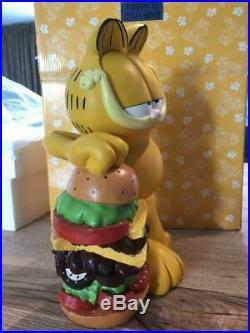 Extremely Rare! Garfield with Big Burger Polyresin Figurine Statue