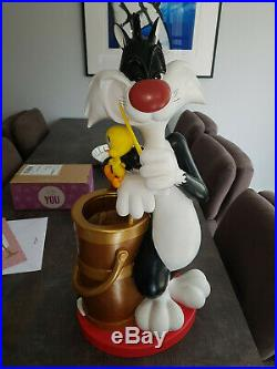 Extremely Rare! Looney Tunes Sylvester and Tweety Umbrella Stand Big Fig Statue
