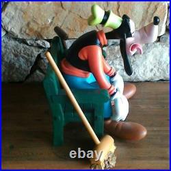Extremely Rare! Walt Disney Goofy Resting on Bench Big Figurine Statue