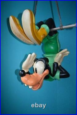 Extremely Rare! Walt Disney Goofy on Trapeze Hang Rack Big Figurine Statue