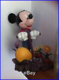 Extremely Rare! Walt Disney Mickey Mouse Working in Garden Big Figurine Statue