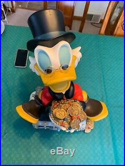Extremely Rare! Walt Disney Scrooge McDuck On Money Chest Statue Coins Big 19
