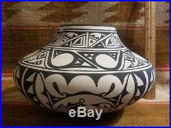 Super Rare Big Joseph Latome San Felipe Zuni Pueblos Native American Pottery Jar
